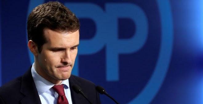 El vicesecretario general de comunicación del Partido Popular, Pablo Casado, antes de su comparecencia ante los medios de comunicación para valorar los resultados en las elecciones de Cataluña, esta noche en la sede de los populares en Madrid. EFE / Kiko