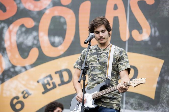 Zac foge de Jaílson e faz show com a banda 4.4 (Foto: Ellen Soares / Gshow)