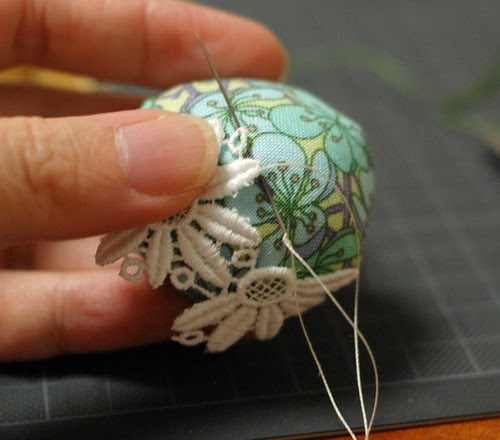 How to make a leather bottom pincushion 15