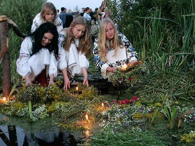 Мистическая ночь на Ивана Купала: время гадать