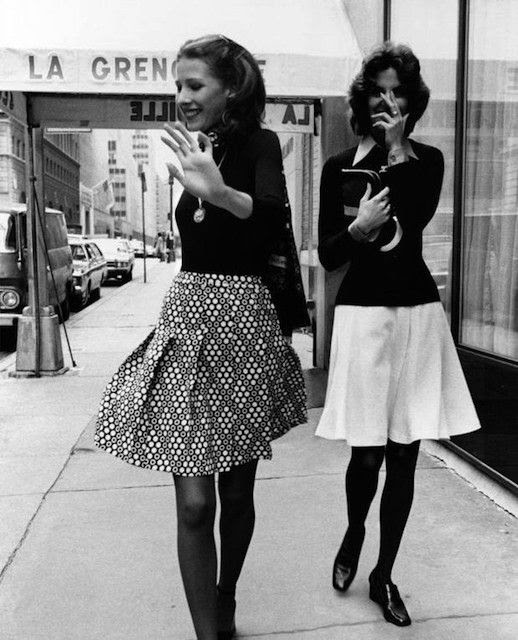 Le Fashion Blog 1970s 70s Street Style Vintage Photos Pleated Print Skirts Tights Via Tres Blase