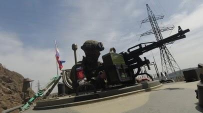 Российские миротворцы передали гумпомощь в Карабах