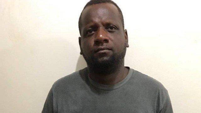COVARDIA - Homem é preso após estrangular e matar esposa com fio de TV
