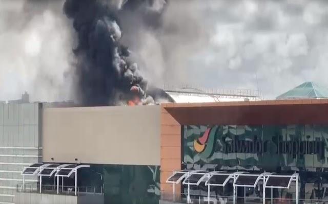 Incêndio atinge praça de alimentação do Salvador Shopping