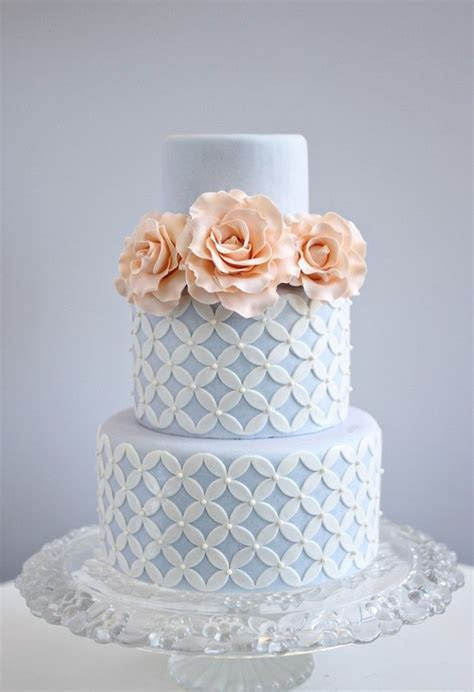 Best 25  Blue wedding cakes ideas on Pinterest   Blue big