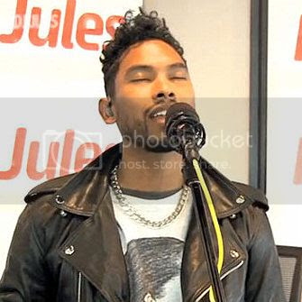 Miguel sings Pink's 'Just Like A Pill' really well, despite not knowing the lyrics...