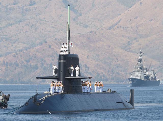 Biển Đông, tàu ngầm, tàu khu trục, Nhật, Philippines, TQ, chủ quyền