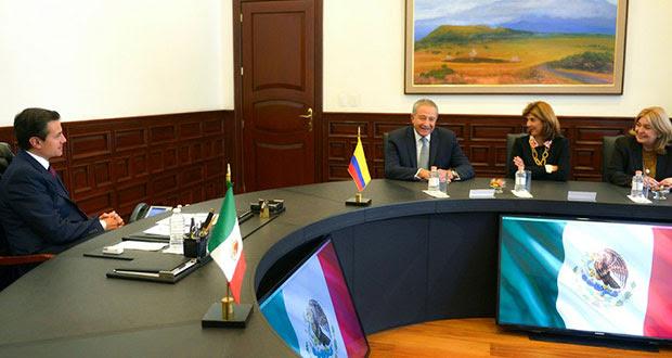 EPN dialoga sobre seguridad y comercio con funcionarios de Colombia
