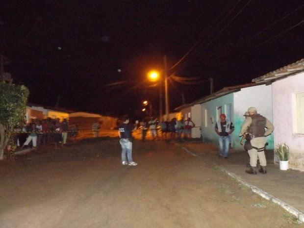 Duplo homicídio foi registrado na cidade de Nova Fátima, na Bahia (Foto:  Alana Adrielle / Hora da Verdade)