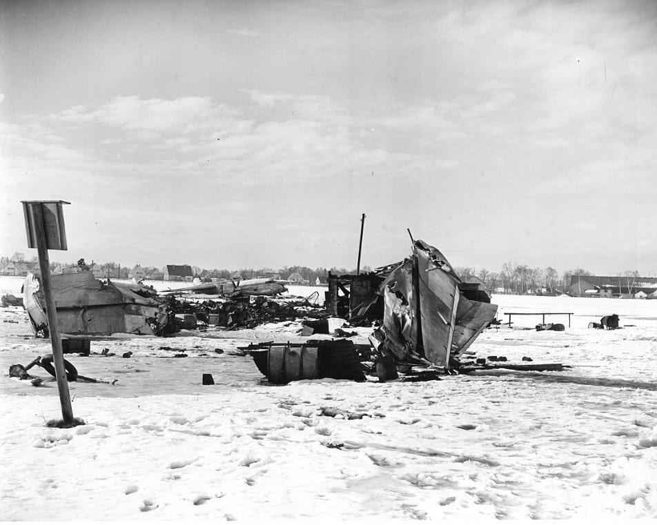 Em 06 de fevereiro de 1958 britânica European Airways voo 609 caiu em sua terceira tentativa de decolar de uma pista coberta de lama no Aeroporto de Munique-Riem, Alemanha Ocidental