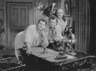 Laurel-Hardy Murder Case maid