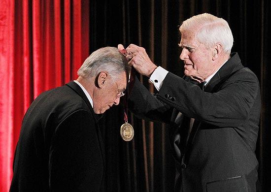 FHC recebe o Prêmio Kluge, da Biblioteca do Congresso dos EUA, em reconhecimento à sua produção acadêmica