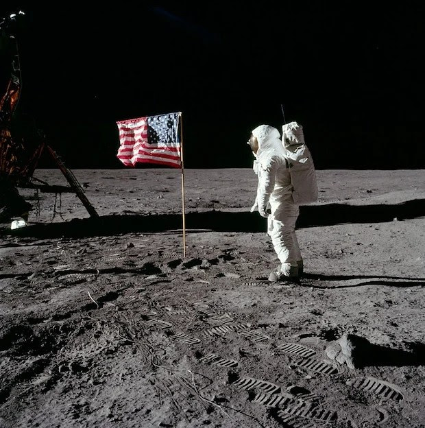 Incredible Online Gallery of High Res Film Scans from Every Apollo Mission apollo11 3