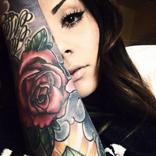 Garotas morenas tatuadas (43)