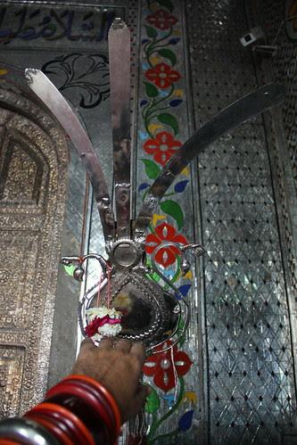 Abbas k Parcham ko fizaon main utha kar Her Qasar e Yazeedi k dar o baam gira do by firoze shakir photographerno1
