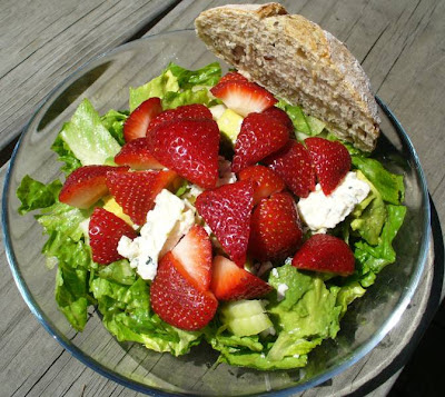 Salad with fresh bread