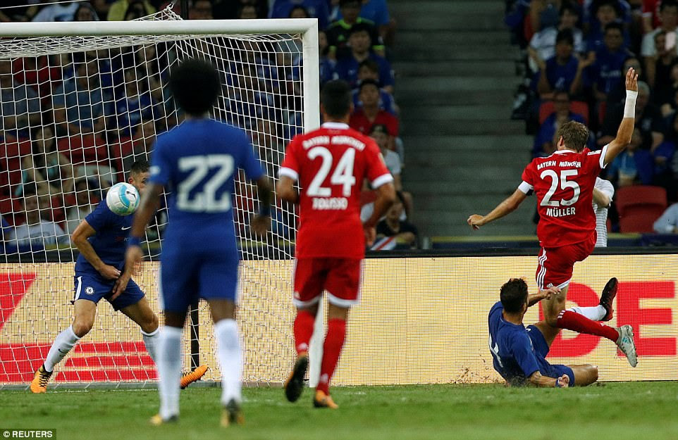 Muller was left unmarked in the box to give Bayern Munich a two-goal lead despite Cesc Fabregas' attempts to challenge him