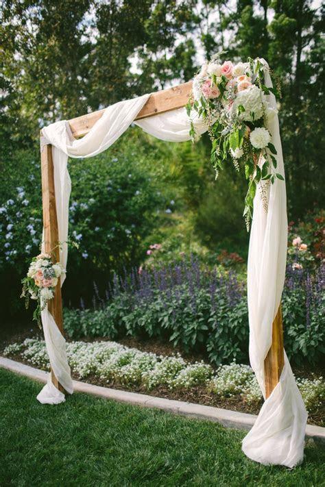 30 Best Floral Wedding Altars & Arches Decorating Ideas