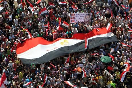 """CONDIVIDI !!Dichiarazione di Fatma Ramadan dirigente sindacale indipendente egiziana mette in guardia membro del Comitato Esecutivo della Federazione egiziana dei sindacati indipendenti  La """"fiducia"""" ad Al-Sisi è un veleno […]"""