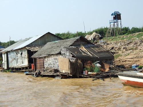 Living in Tonle Sap Lake