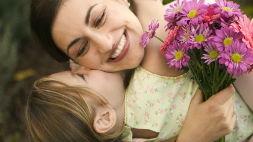 Cách giản dị nói thay lời 'con yêu mẹ'