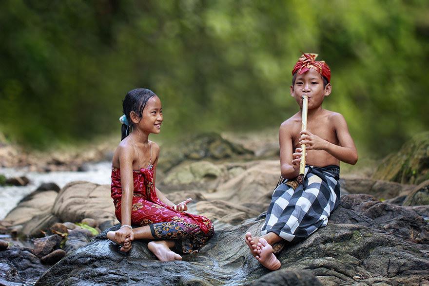 Foto Kehidupan Sehari-hari di Pedesaan 15