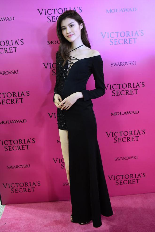 Mỹ nhân Tình người duyên ma chẳng ngại ngần đọ sắc nóng bỏng cùng dàn thiên thần Victorias Secret trên thảm hồng sau show - Ảnh 13.