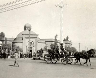 File:Baghdad-Carriage 1930.jpg