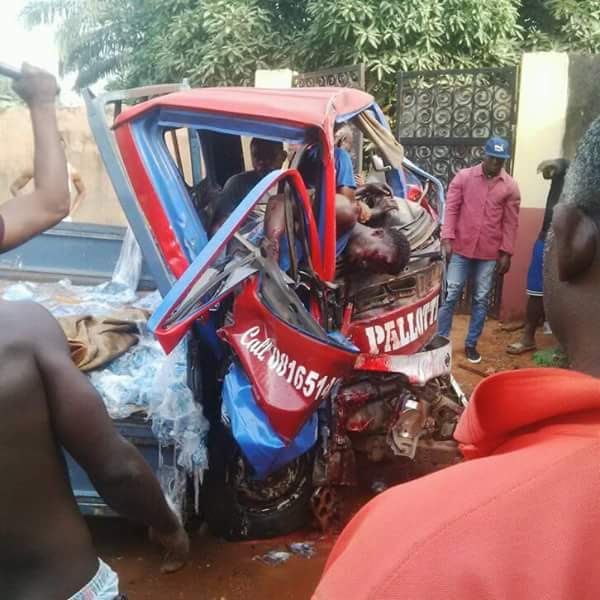 https://umahiprince.blogspot.com/2018/01/photos-terrible-accident-kills-boy-in-anambra-state.html