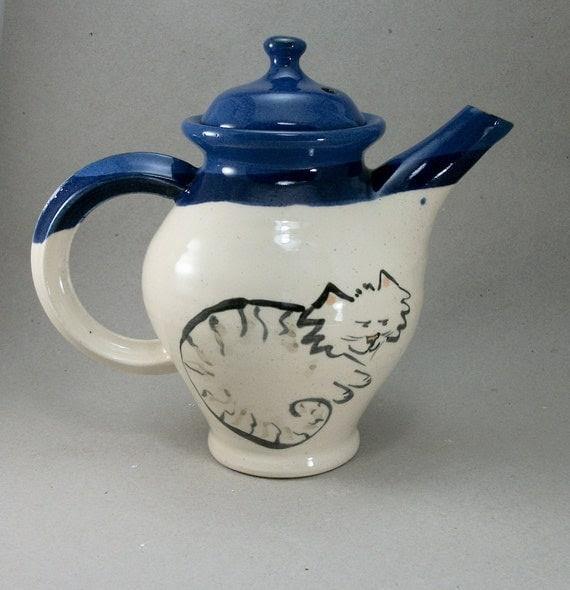 dog and cat teapot