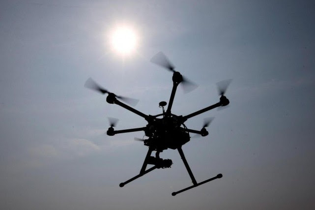 Pas moins de 88 drones survolant les prisons... (Photo Alex Brandon, Archives Associated Press)