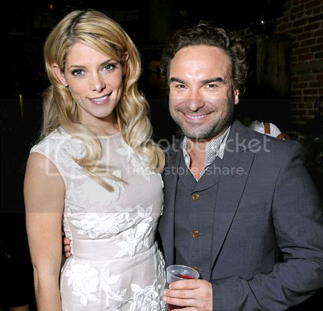 photo 1381264961_ashley-greene-johnny-galecki-467_zpsf2c99595.jpg