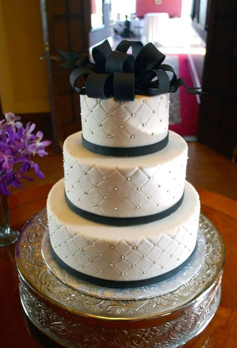 Best 25  Quilted wedding cakes ideas on Pinterest