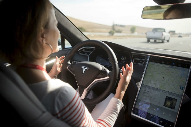 How Tesla's First Fatal Autopilot Crash Happened