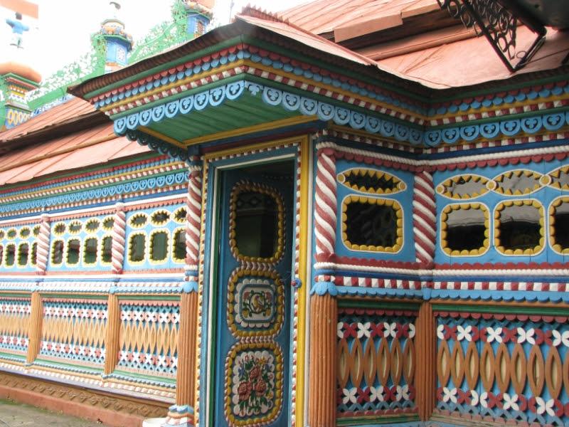 Внутри необычного дома кузнеца Кириллова. Фото