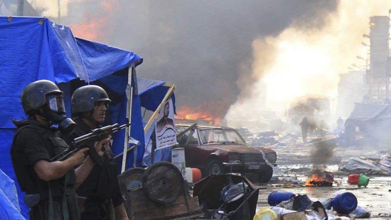 Mercredi matin, les forces de l'ordre égyptiennes ont mis leur menace à éxécution et dispersé par la force les camps où se rassemblent depuis près de deux mois les partisans de Mohammed Morsi, président égyptien destitué par l'armée le 3 juillet, et emprisonné depuis.