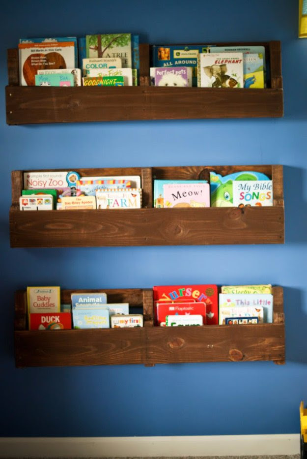 DIY Pallet Furniture Ideas - Wood Pallet Bookshelf - Best Do It Yourself Projects Made With Wooden Pallets - Indoor and Outdoor, Bedroom, Living Room, Patio. Coffee Table, Couch, Dining Tables, Shelves, Racks and Benches http://diyjoy.com/diy-pallet-furniture-projects