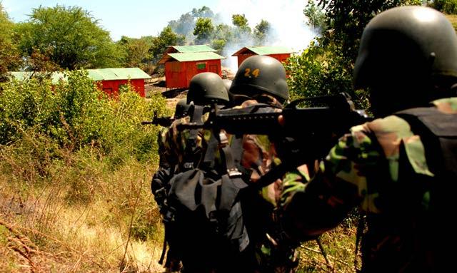 Aksi Parjurit di Latgab TNI 2013