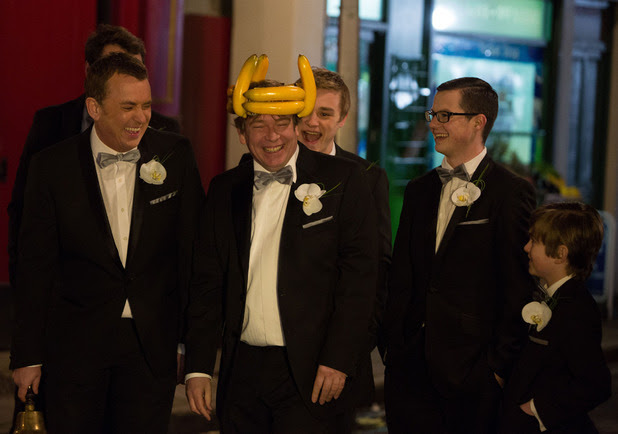 Ian wears a crown of bananas for his wedding!