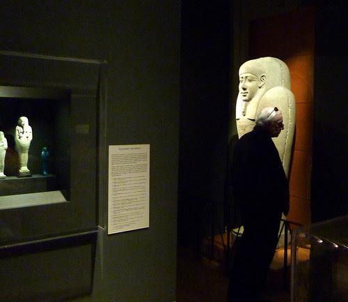 P1000025-2009-12-26-Christmas-Carlos-Museum-Ken-Sarcoph