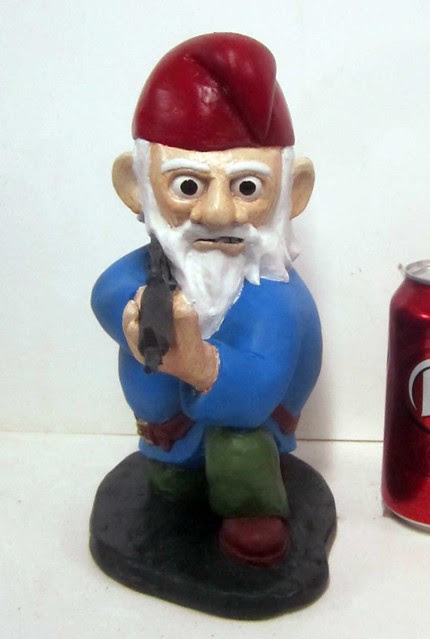 Gneeling Gnome M-16 Angry