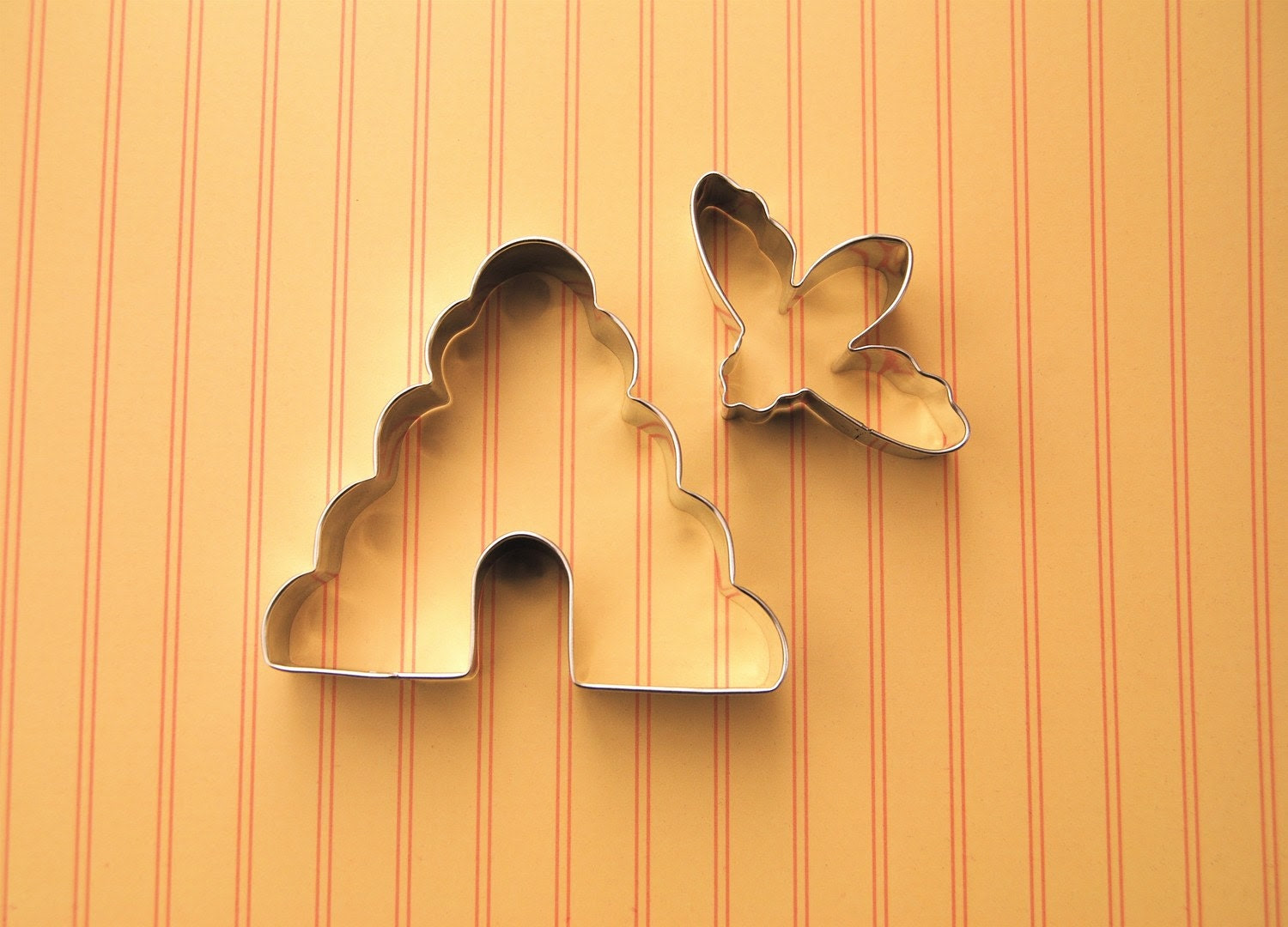 Bee and Bee Hive Cookie Cutter Set - CupcakeSocial