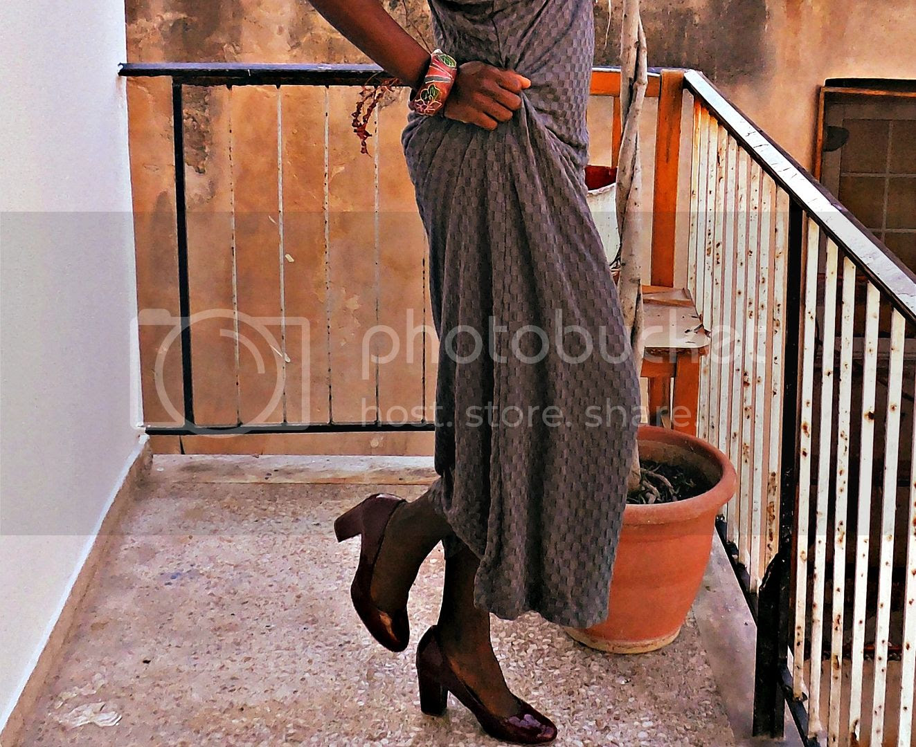 How to style a grey maxi dress details.jpg