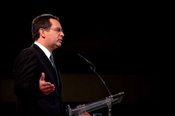 """""""É altura de o primeiro-ministro não se desculpar"""", diz o líder do PS"""