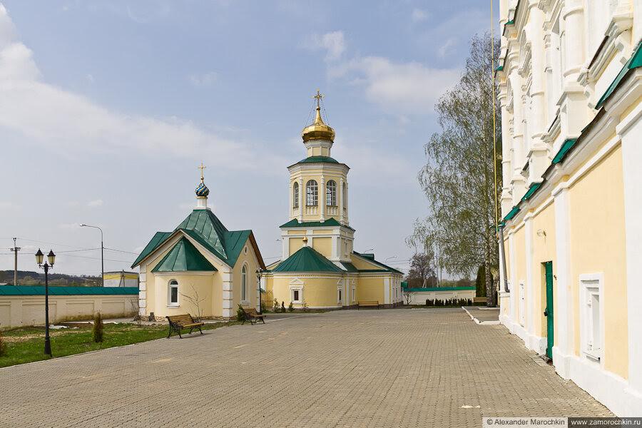 Надкладезная часовня и Михайло-Архангельская церковь Макаровского монастыря Саранск
