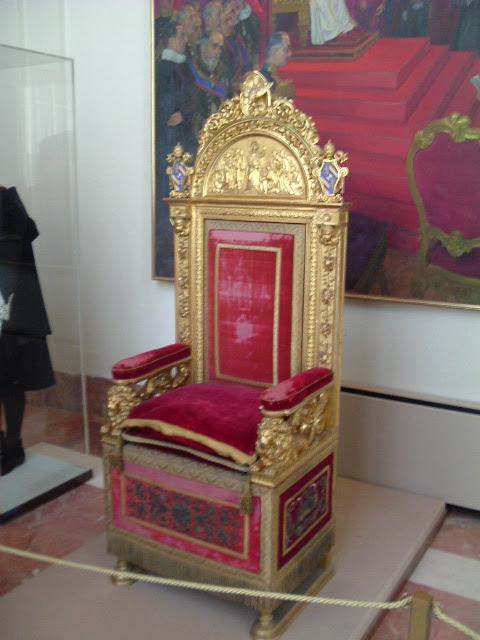 Αποτέλεσμα εικόνας για pope throne
