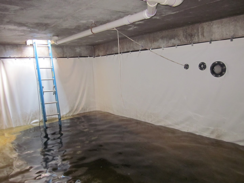 Underground concrete cistern with liner