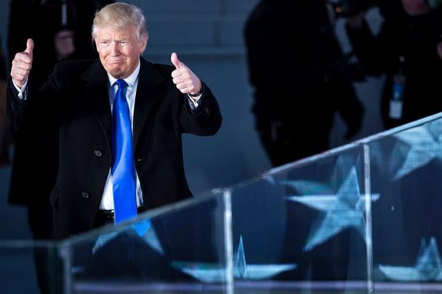 Donald Trump doitprêter sermentpeu avant midi.... (PHOTO BRENDAN SMIALOWSKI, AFP)