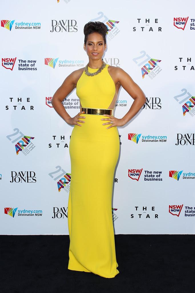alicia-keys-27th-annual-aria-awards-sydney-australia-stella-mccartney-golden-belt-gown