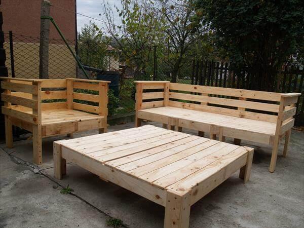 Wood Pallet Outdoor Furniture | Modern World Decorating Ideas